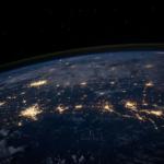 地球は丸いのに地面が平らな理由とは!?