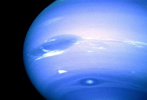 海王星 惑星 大きさ